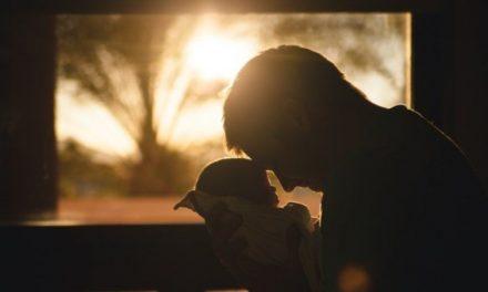 Pengasuhan (Parenting)